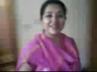 हॉट इंडियन चिक सेक्सी वीडियो फुल मूवी हिंदी 2 हार्ड लंड पर लेता है