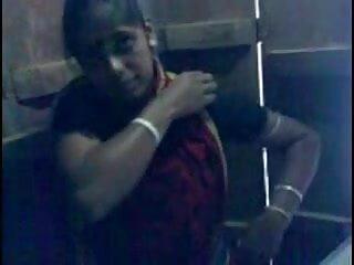 मोटी कुतिया गड़बड़ हिंदी में फुल सेक्सी फिल्म हो रही है