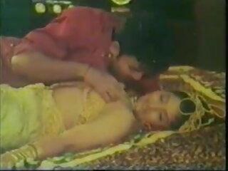 पुरानी हिंदी में फुल सेक्सी मूवी नानी