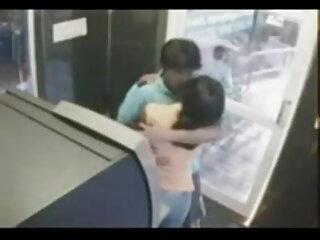 सींग का बना सेक्सी फुल मूवी हिंदी में लड़की 2 किशोर लड़कों मुश्किल बकवास