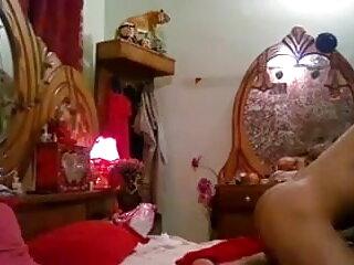 सिंड्रेला एक फुल सेक्सी मूवी वीडियो में काली लड़की पर ले जाता है