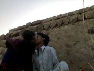 न्यडिस्ट बीचे पर गर्म औरत सेक्सी फुल मूवी हिंदी में