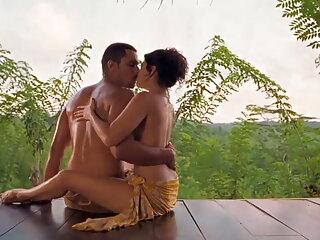 एशियाई हॉलीवुड फुल सेक्स फिल्म युगल प्रेम दिखाते हैं