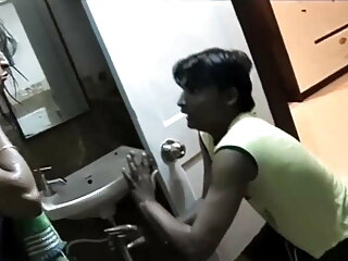 एक अच्छी हिंदी सेक्सी फुल मूवी वीडियो लड़की को चूसो