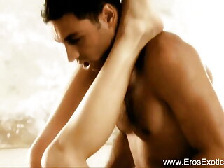 गैंग बैंग हिंदी सेक्सी पिक्चर फुल मूवी वीडियो एक डीपी के साथ एक 48 साल पुराने एमआईएलएफ पर