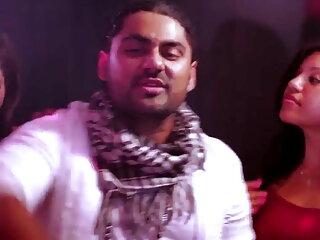 क्रीमपाय सेक्सी फिल्म हिंदी फुल एचडी ulyana