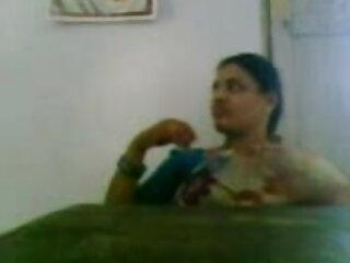 दादी 2 के हिंदी में फुल सेक्स मूवी साथ गुदा