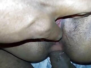 बड़े स्तनधारियों के साथ मोटी दादी हिंदी सेक्सी फुल मूवी वीडियो वाइब्रेटर के साथ खेलती है